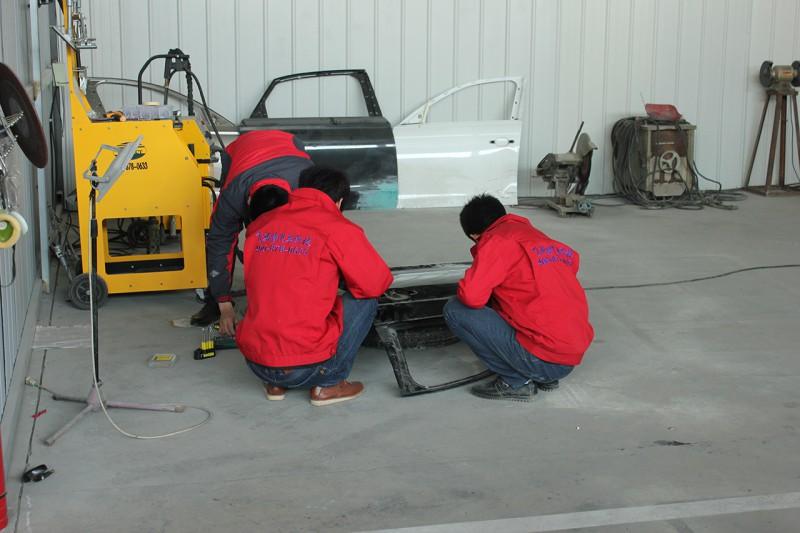 学员练习凹陷修复